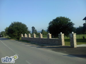 Kamene ograde kamini  fontane  sankovi  potporni zidovi