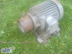 Elektro-motor   od cekulara (NOVA CIJENA)