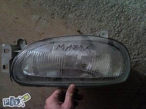 Mazda 121 lijevi far