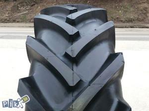 16,9-28 Traktorske gume